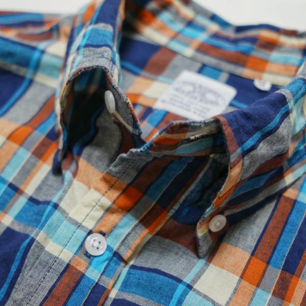 バギーマドラスシャツの襟